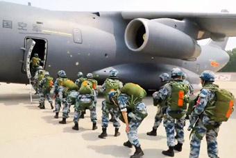运-20空降空投训练原声影像 国之重器显神威
