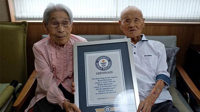 全球仍在世最年长夫妻年龄相加达208岁:长达80年的婚姻