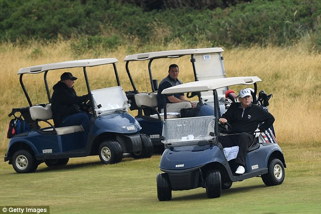 特朗普苏格兰高尔夫球场惊现四架不明飞行物