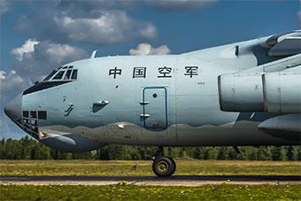 太帅了!俄罗斯摄影师镜头里中国参加演习战机