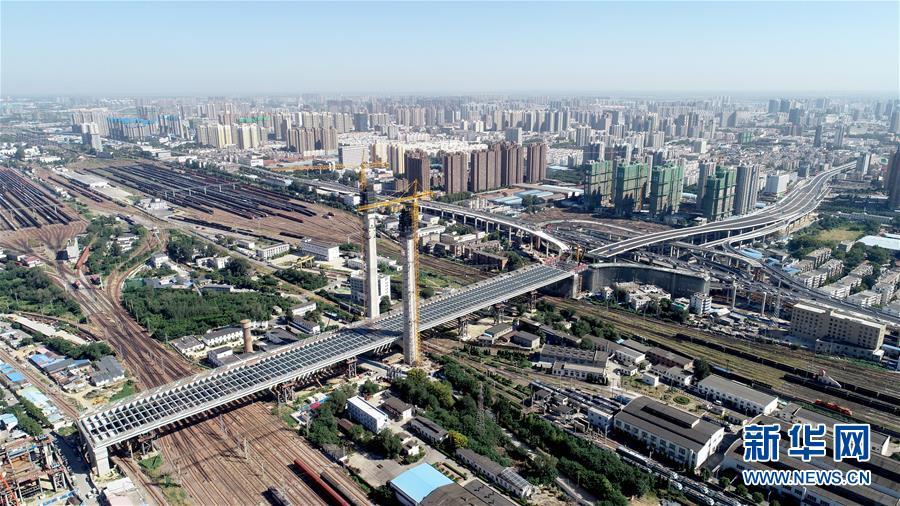 郑州郑北大桥钢梁顶推成功