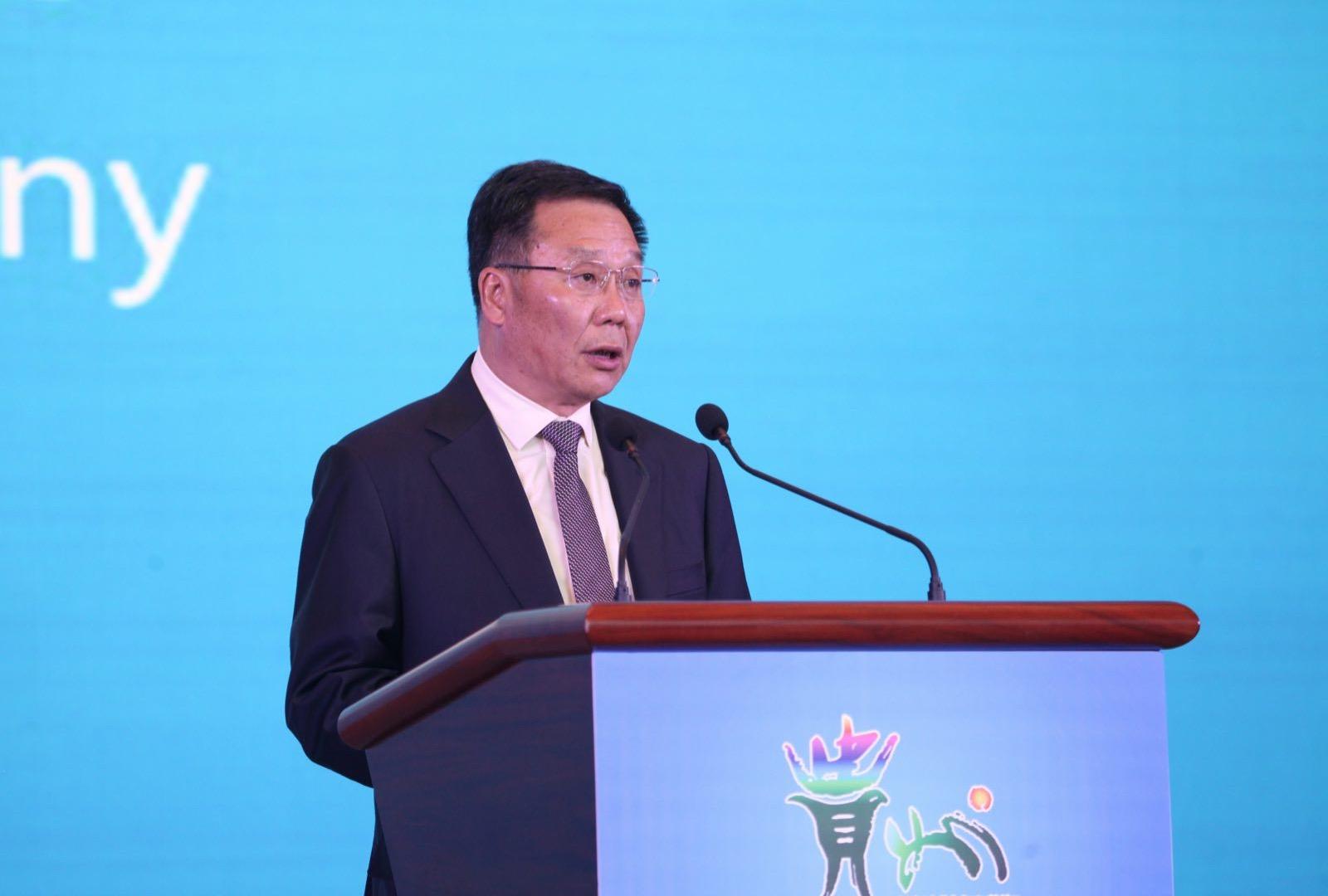 茅台董事长李保芳:与世界接轨 白酒业需大力倡导竞合发展
