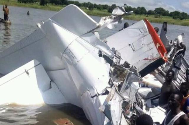 快讯!南苏丹超载微型客机坠毁致21人死亡