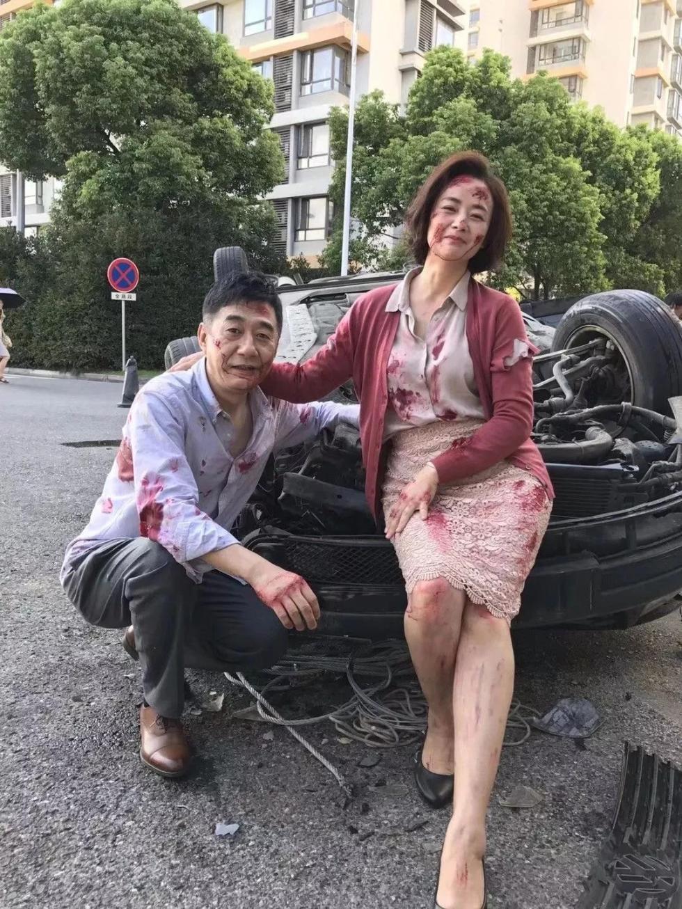 河南一家人深夜突遭車禍,現場竟然拍了張全家福…刷爆朋友圈!網友評論炸鍋了...