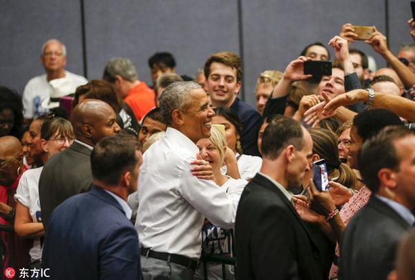 奥巴马现身加州,呼吁民主党选民在中期选举中投票