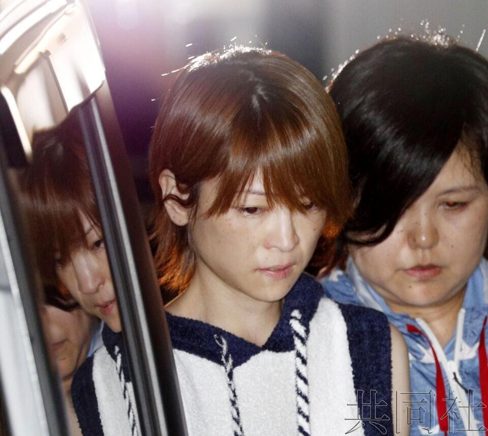 """日本""""早安少女""""前成员吉泽瞳涉嫌酒驾肇逃被捕"""