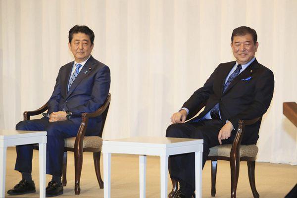 日本自民党总裁选举进入两强对决阶段 安倍舌战石破茂