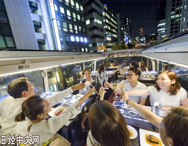 """坐""""餐厅巴士""""游东京!"""