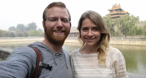 俄背包客3年环球旅行未刮胡子 延时摄影记录外貌变化