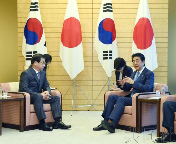 金正恩已与中韩美举行首脑会谈,又将与俄会谈,安倍急了