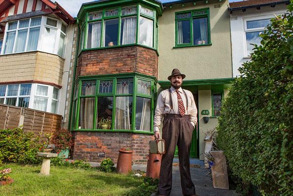 英怀旧单身汉花8.7万英镑打造80年前风格住宅