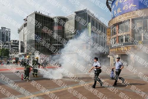 广州警方组织处置多点突发事件演练
