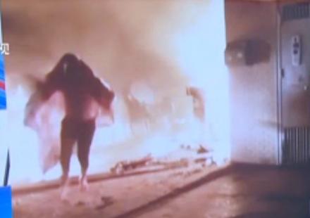 小伙裹床单进火场 如何避免火灾?