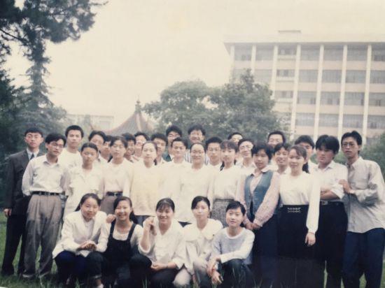 戴珊回忆马云教师生涯:学生六级通过率全校最高