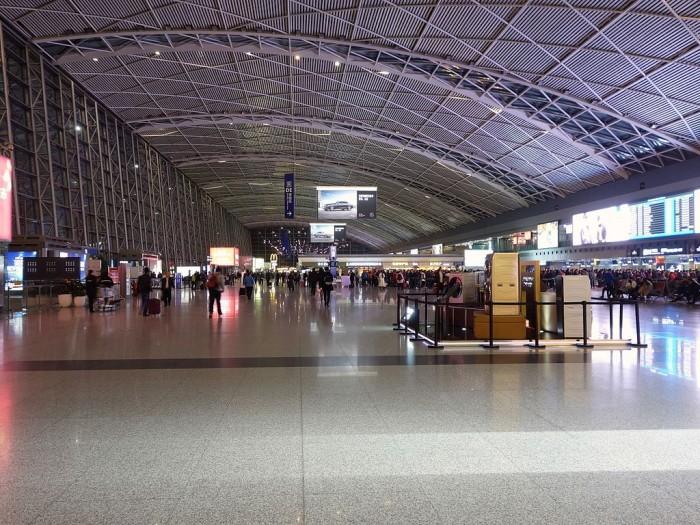 成都双流机场用上AI海关 3秒可识别违禁物品