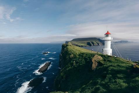 探秘法罗群岛:气候多变景色壮观犹如仙境