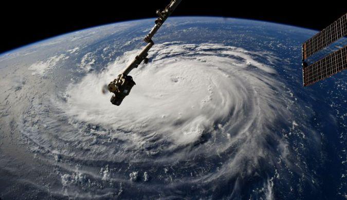 30年最强飓风袭击美国 空间站拍到可怕风暴仍在加剧