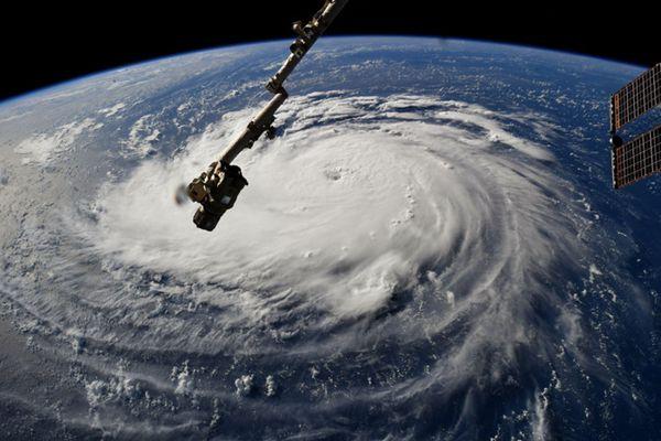"""飓风""""佛罗伦萨""""直扑美国东海岸 超百万人疏散"""