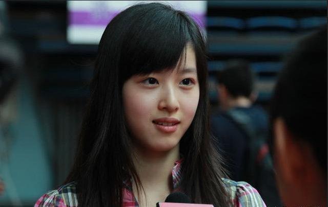 中国女富豪,马云的迈巴赫,刘强东的悍马都不及她一个车牌号!