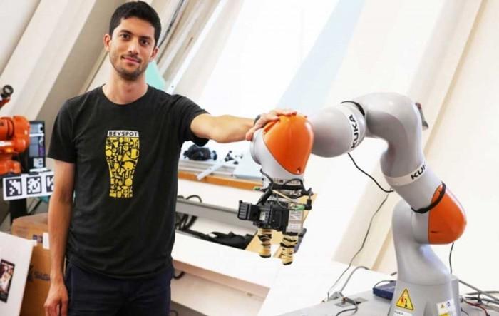 MIT研究人员开发出能够拾取任何物体的机械臂