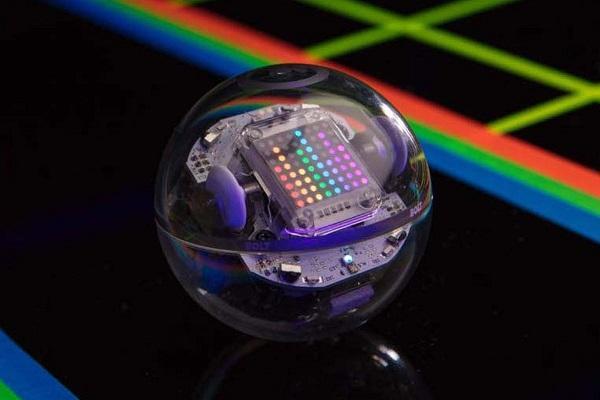 球形编程教学机器人Bolt亮相:红外交互+LED点阵屏