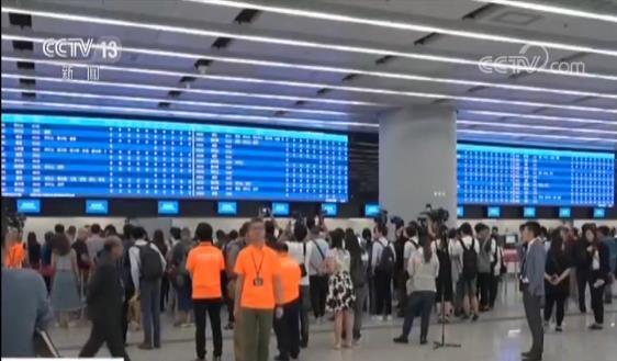 【广深港高铁票开售 9月23日全线运营】出示身份证件正本 每人限购8张