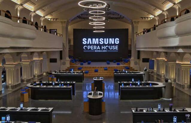 三星全球最大手机旗舰店开业 大举进军印度市场