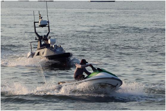 中国举行全球首次无人艇反走私演习