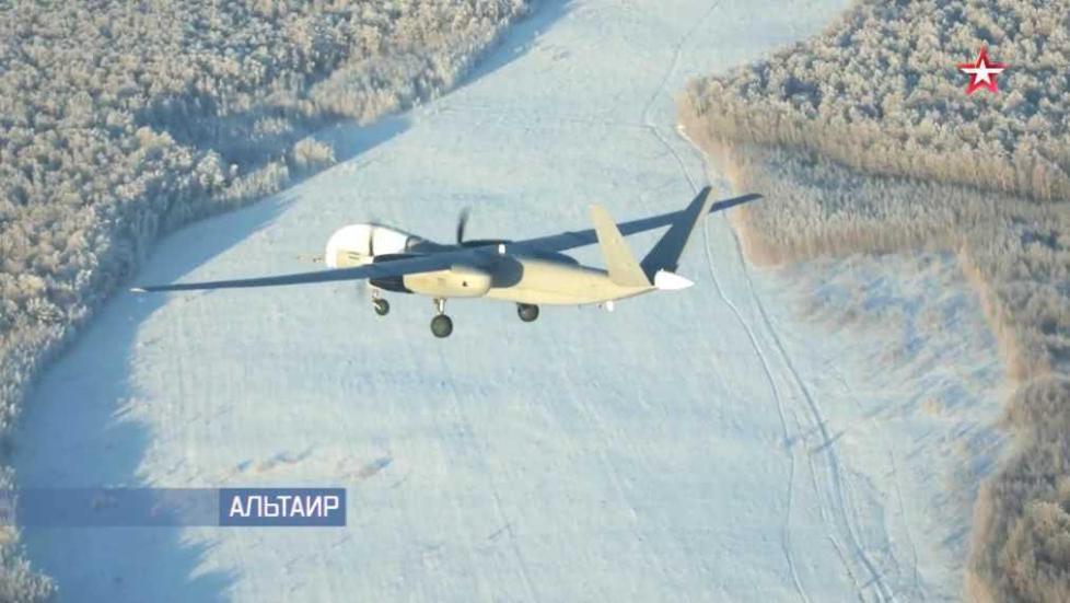 """俄首次公开最新重型察打一体无人机 体型接近美军""""全球鹰"""""""