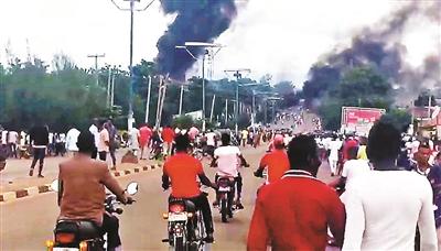 尼日利亚加油站爆炸35人死亡