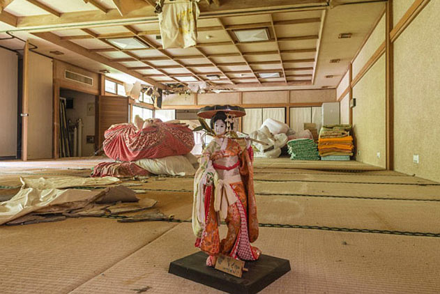 法摄影师镜头下的日本废弃建筑 诡异令人不安