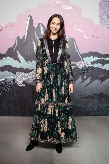 水原希子闪耀纽约时装周  引领春夏T台新风尚