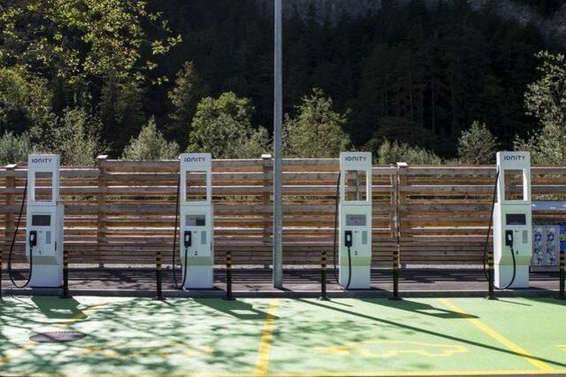 瑞士拟利用可再生能源增设更多电动汽车充电点