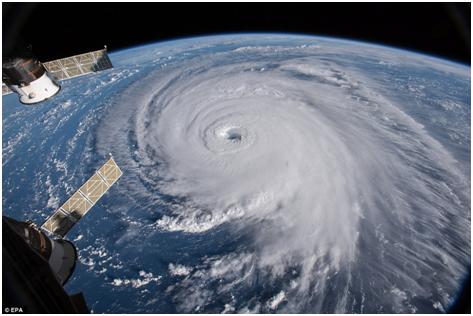 近千条航班取消、百万民众撤离、总统呼喊小心...致命风暴登陆美国沿海,有人却决定不走
