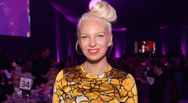 歌手Sia庆祝戒酒8周年:我做到了!