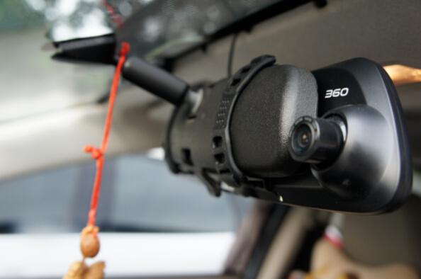 360 M301 Plus行车记录仪实测:白天夜晚同样清晰