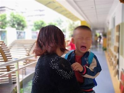 媒体:90个幼儿园小班 48个班男生比女生爱哭