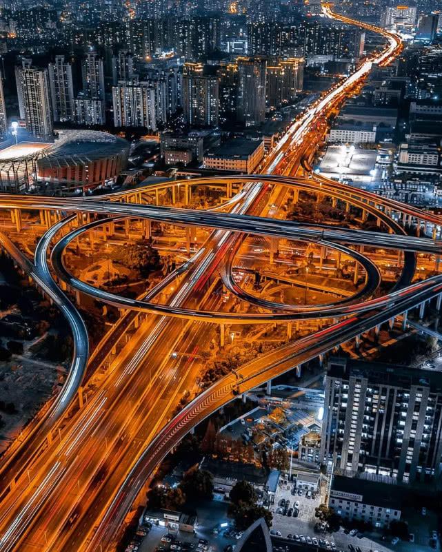 航拍←上海照片爆红网络:一位德国摄影师』眼中的魔力之城