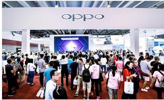 OPPO亮相中国电信天翼展 R17 Pro凝光绿版本首度现身