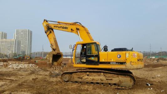 工友遇塌方被埋 男子开挖掘机救人却不慎致其死亡