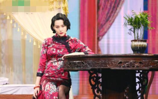 张馨予婚后首秀 旗袍装亮相惊艳全场