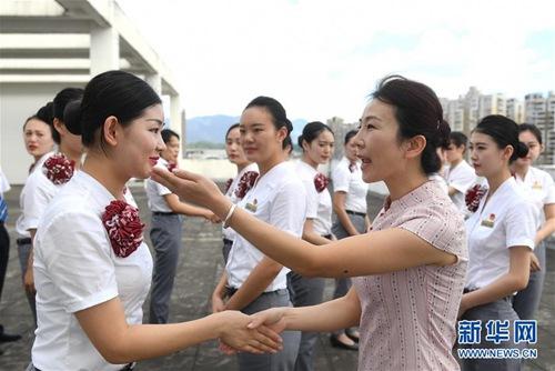 福州:加紧培训进港高铁工作人员