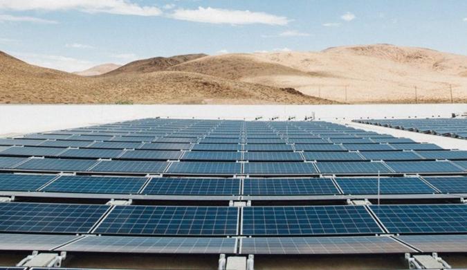 """特斯拉发布""""全球最大""""屋顶太阳能阵列照片"""