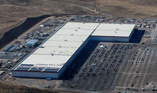 特斯拉超级工厂发生火灾:火情已控制 无人员伤亡