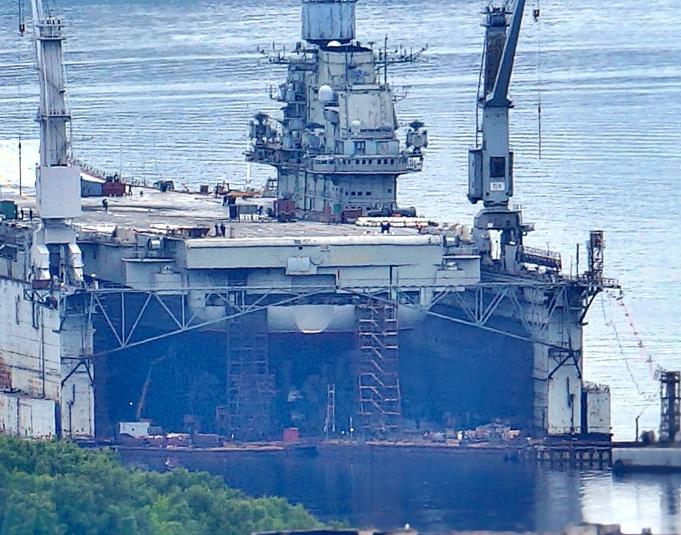 飞来横祸:负责维修俄唯一航母浮动船坞沉没