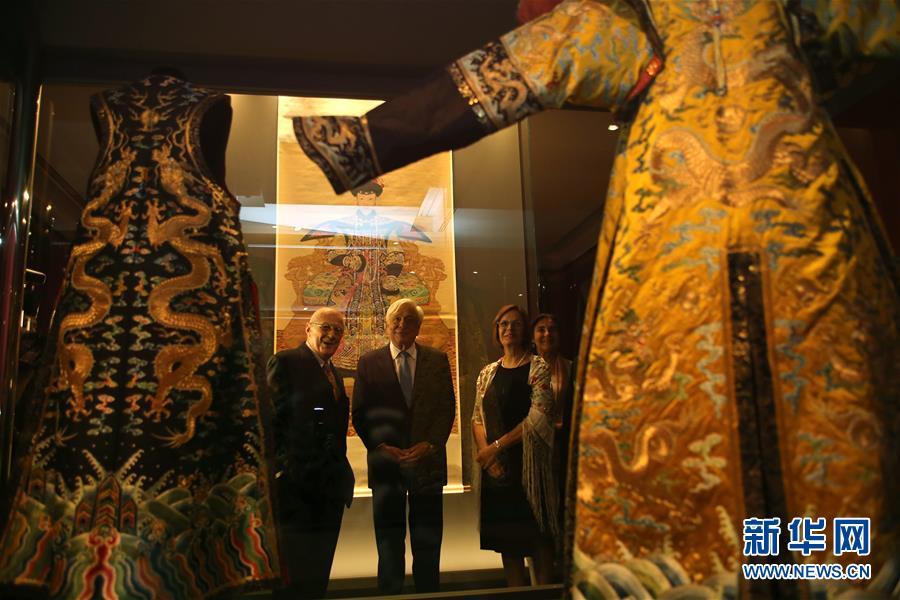 中国故宫文物展在希腊举行