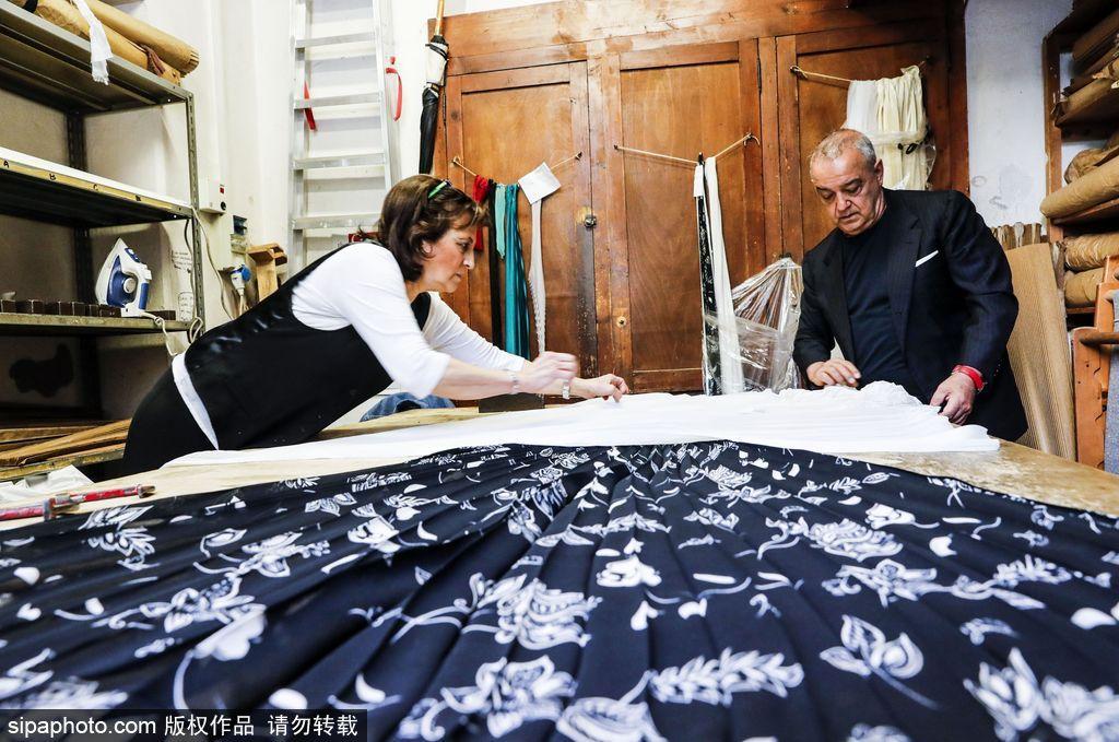 意大利百年裁缝老店面临关闭 曾参与设计梦露《七年之痒》经典小白裙