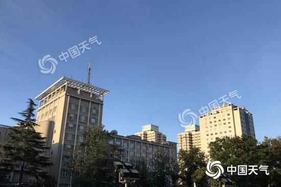 北京18日阴有小雨 中秋假期晴好宜出游秋凉尽显