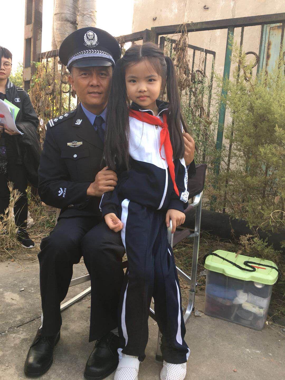电影《天刃》定档9.21上映,杜约帝饰演机智被绑架女孩引期待