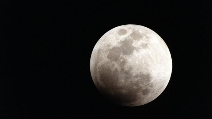 SpaceX公司神秘的月球乘客会是谁?